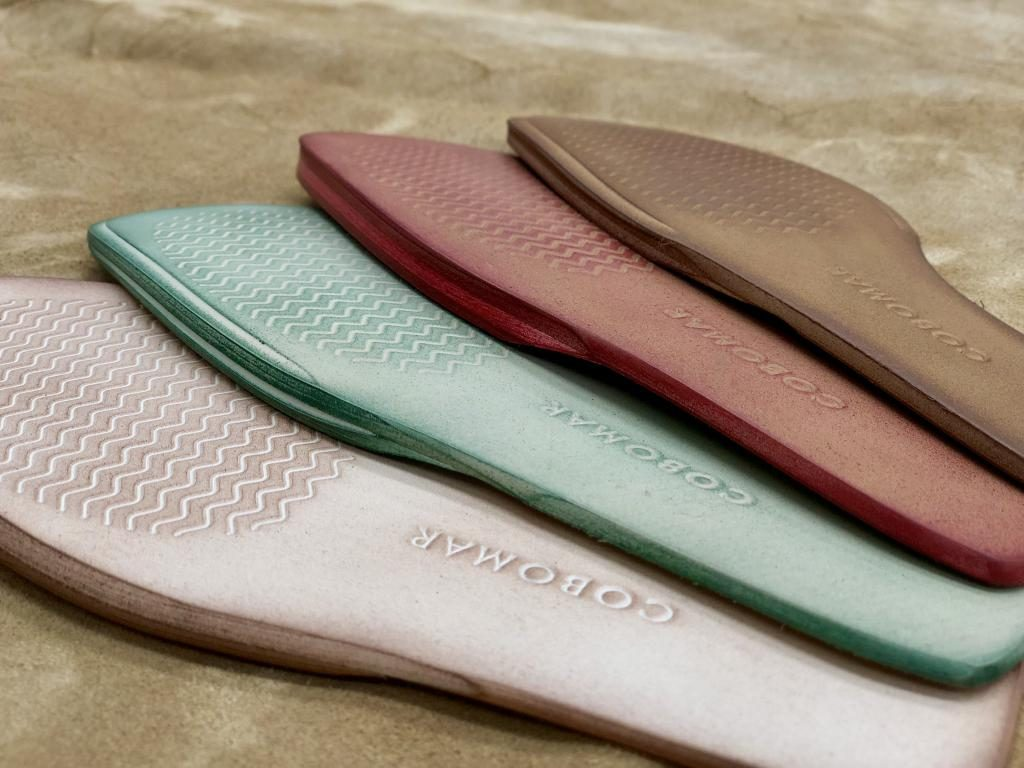 BRUSHED MICRO-BREATHABLE SOLE IN COLOUR AND PRINT 2