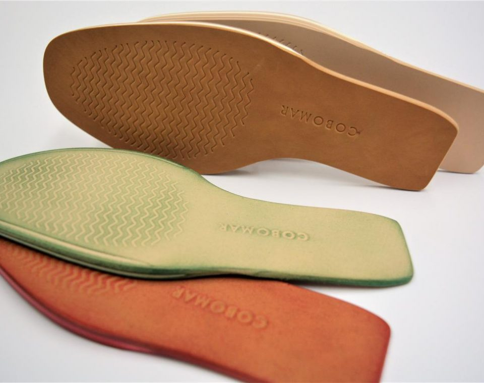 BRUSHED MICRO-BREATHABLE SOLE IN COLOUR AND PRINT